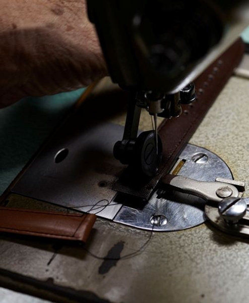 Knot(ノット)栃木レザーベルト トラディショナルシェイプ 時計ベルト 18mmオーク & シルバーバックルベルトのみ購入はメール便のため代引き・着日指定・包装は不可ベジタブルタンニンレザー/牛革/ヌメ革/日本製