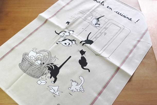 トルション エ ブション mischievous cat cat cat kitchen towel kitchen cross tapestry ☆  France miscellaneous goods French miscellaneous goods