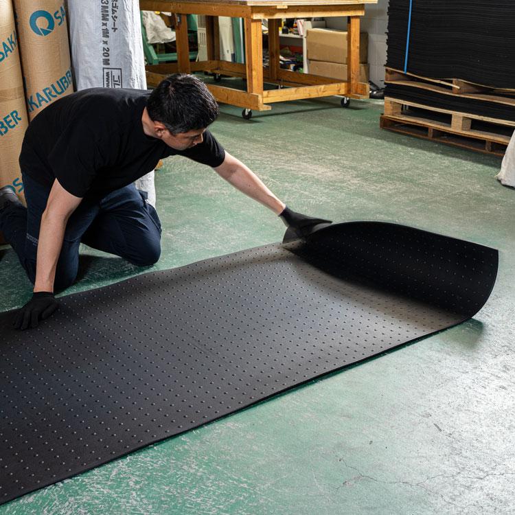 公共工事に圧倒的な出荷実績! 【工場直売】凹凸のあるリサイクルゴムシート厚さ20mm×幅1M×長さ2M