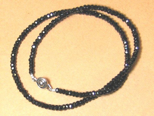 きらり輝く ブラックスピネル 男女兼用 ネックレス ギフト 数珠 念珠 天然石