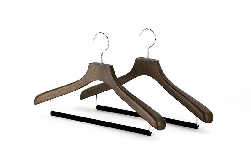 KCM-01FOBメンズ用 木製 42cm スーツ セール特別価格 ハンガーオークブラウン ベルベットバー付 2本セット 1本2178円 500円以上 ウッドハンガー セット コーベルクローゼット木製ハンガー 安心の定価販売 5 送料無料ご購入特典クーポン配布中 CLOSET紳士用 KOBEL