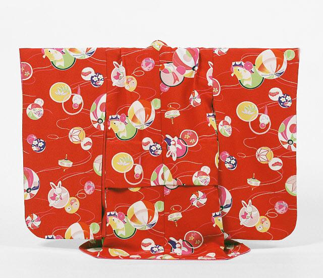 【レンタル】撫松庵七五三3歳レンタル【貸衣裳】303 真っ赤におもちゃ柄 白ベルベット被布セット