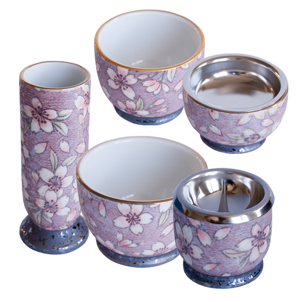 仏具 仏壇 有田焼 五具足 磁器 真鍮 花柄 花立 灯立 香炉 茶湯器 仏器 日本製有田焼五具足 桜ろまん