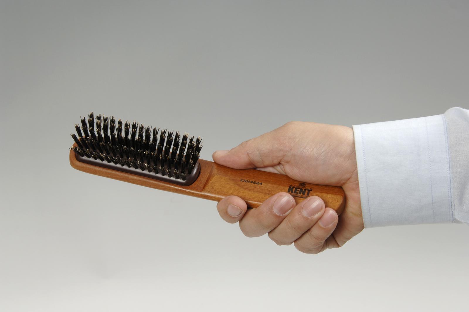 KENTケント の豚毛ヘアーブラシは髪にツヤを出し 地肌にマサージ効果あり ヘアーブラシ ケント KENT 豚毛のヘアーブラシ 正規品スーパーSALE×店内全品キャンペーン ふつう 大 高い素材 男性用 KNH-4624a Hair 優れものA brush