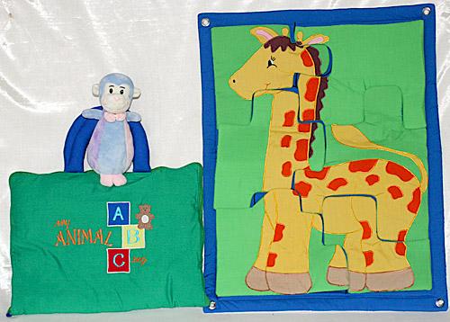 人気ものキリンさんのバネルタイプのジグソーパズル ジャングルワールド布絵本My ABC ANIMAL bag
