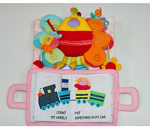布絵本布おもちゃブランケットMY QUIET BOOKベア ピンク&アクティビティトイ・ピヨピヨバード&ハート柄ブランケット ピンクハートフル