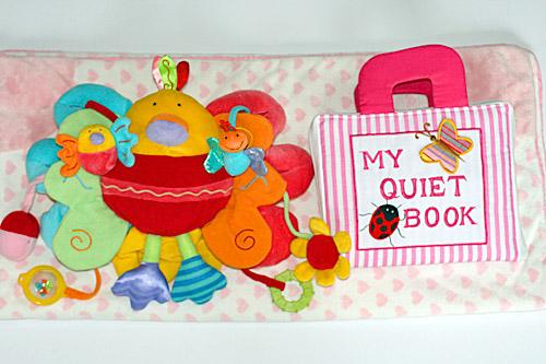 【知能開発レッスンブック】【お誕生日】出産祝布絵本布おもちゃブランケットMY QUIET BOOK&ピヨピヨバード&ピンクのハートのブランケットおまけ付きマザーズバッグ&フォトアルバムスペシャルギフトセット