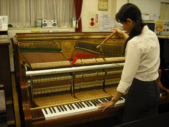 【ピアノクリーニング】アップライトピアノ<内部>