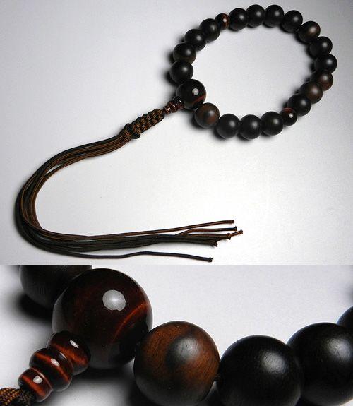 男性用のお数珠 縞黒檀 18玉 赤虎目石 仕立て