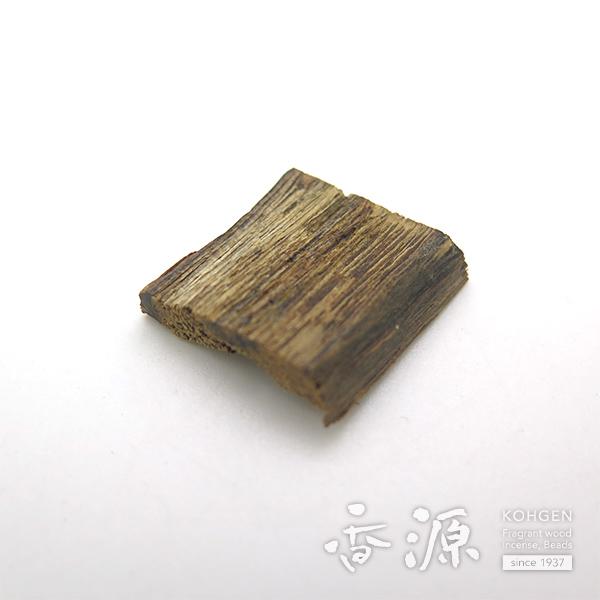 【限定品】香木 伽羅 ベトナム産 緑油伽羅 小笹 1.35g