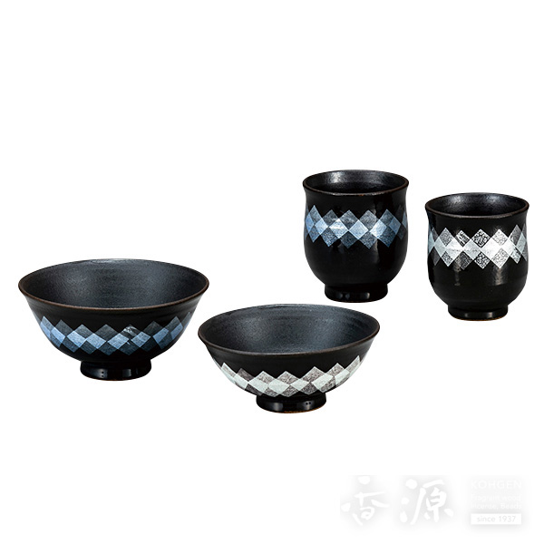 九谷焼 睦揃 銀彩/夫婦湯呑・夫婦茶碗のセット