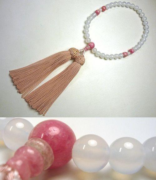 女性用のお数珠 白瑪瑙 インカローズ4点仕立て 灰桜明るめ房