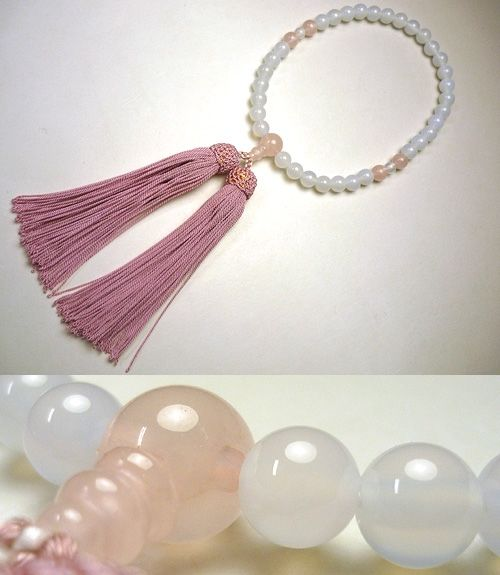 女性用のお数珠 白瑪瑙 紅石英4点仕立て 薄紅藤房