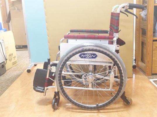 【送料無料】中古 車椅子 リサイクル 車イス 日進 6輪タイプ 車いす