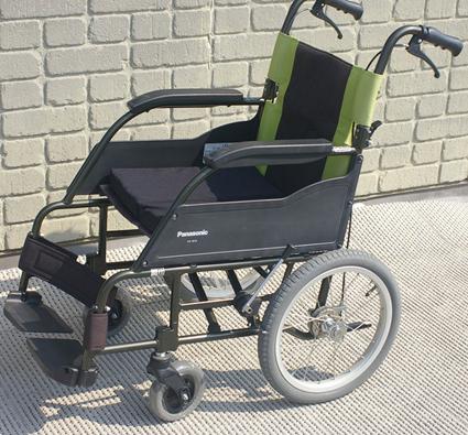 【送料無料】中古 車椅子 リサイクル 車イス パナソニック社製 ルッタ 自走型 軽量タイプ 車いす