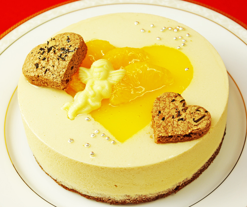 【送料込】★ハート&エンジェル<BR>『紅茶とオレンジのムース』【直径15cm】さわやかで軽め♪<BR>【クール便配送商品】【誕生日祝い】【3人から6人向け】バースデーケーキ 誕生日ケーキ ハートケーキ 結婚記念日 天使 お祝い パーティー 贈り物 ホワイトデー