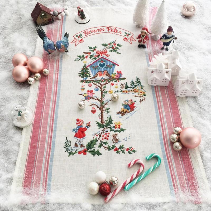 フランス レブロドゥーズパリジェンヌ Les Brodeuses Parisiennes 刺繍クロスステッチキット 刺繍糸は付属されていません リネン 大人気 専門店 house Christmas ティータオル Little 小さなクリスマスのお家