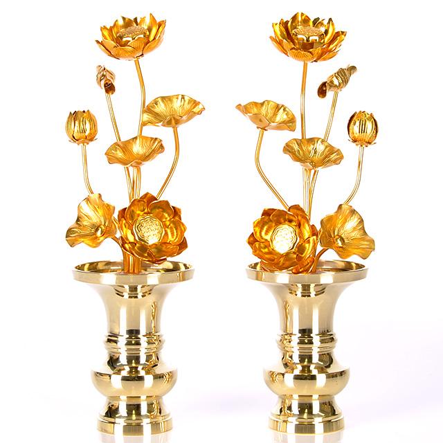 送料無料 仏壇をより豪華にできるアルミ製の常花 じょうか です 一対 2本 割り引き マート と半対 1本 常花 7本立 アルミ 4.0寸 どちらでも購入可能です 金色 おしゃれ