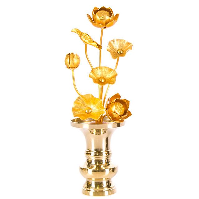 バーゲンセール 送料無料 仏壇をより豪華にできるアルミ製の常花 じょうか です 一対 2本 おしゃれ と半対 1本 どちらでも購入可能です 常花 半対 7本立 4.0寸 消金 アルミ