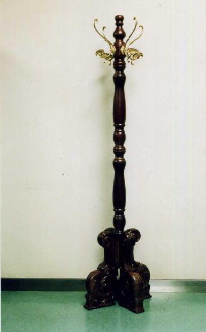 【お洒落なアンティーク家具が安い店】【イタリア製】 木と真鍮のコートハンガー 10P27May16
