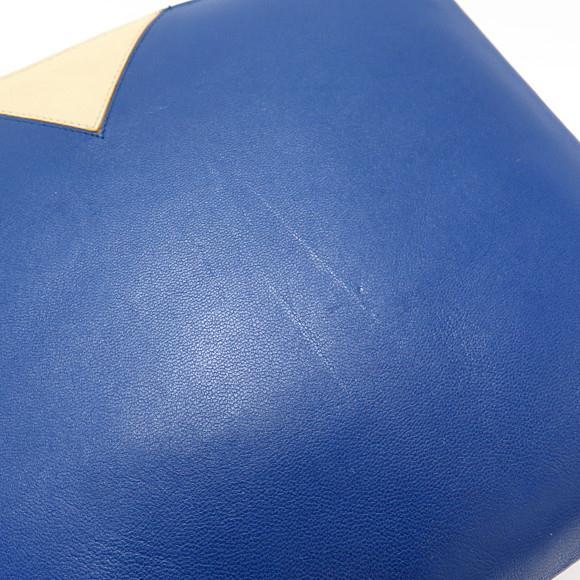 d97c61c5113c ブランド/メーカー:セリーヌ商品名:セリーヌ バッグ 102413RTI 通称:バッグ (クラッチバッグ) 商品ランク:中古品B 品番: 102413RTI 素材:ラムサイズ:横×縦×マチ(幅) : 25cm ...