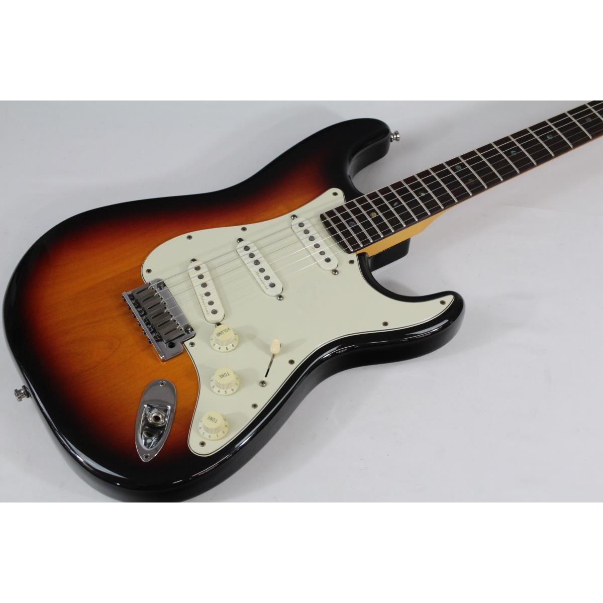 FENDER AMERICAN DELUXE STRATOCASTER【中古】