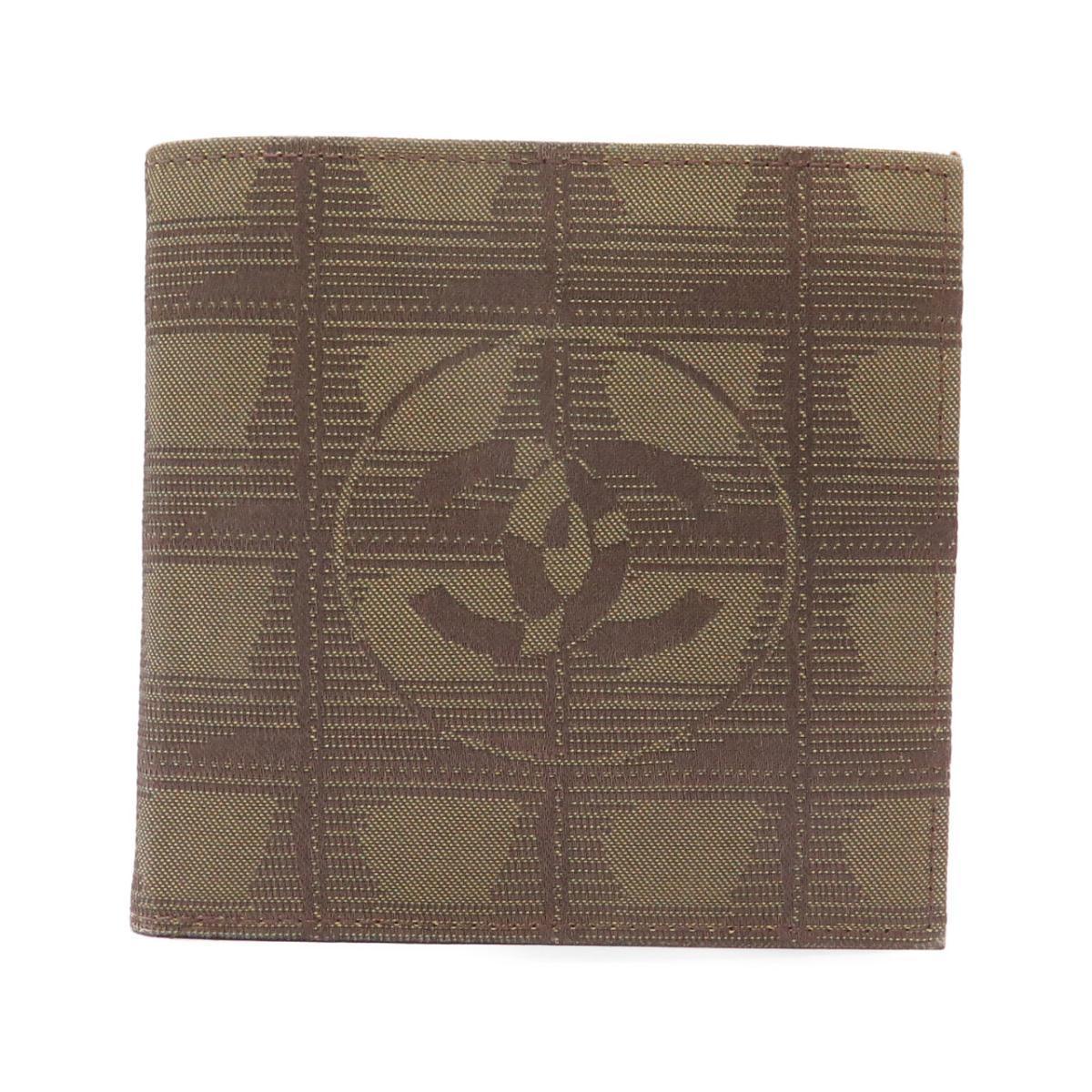 シャネル 春の新作 財布 物品 14342 中古