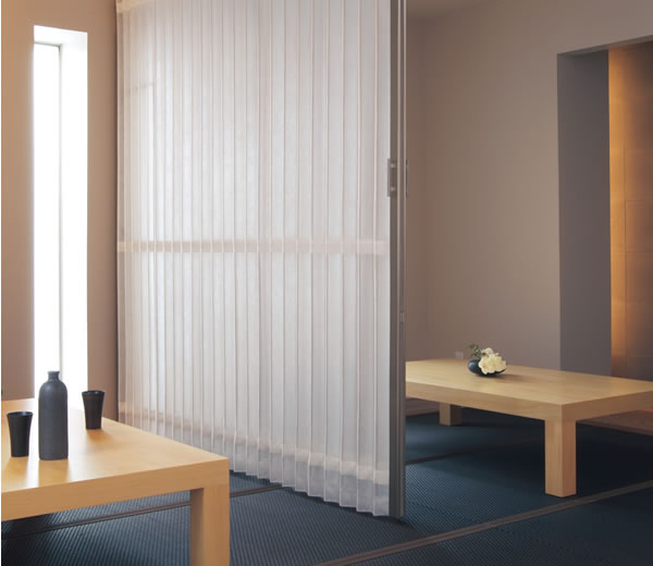TOSO アコーディオンドア(アコーディオンカーテン) クローザーエクセル スモーク 幅241~270cm×丈221~230cm