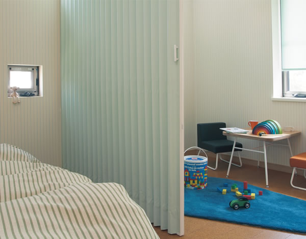 トーソー アコーディオンドア (アコーディオンカーテン) クローザーライト リバティ 幅126~150cm×丈221~230cm TOSO
