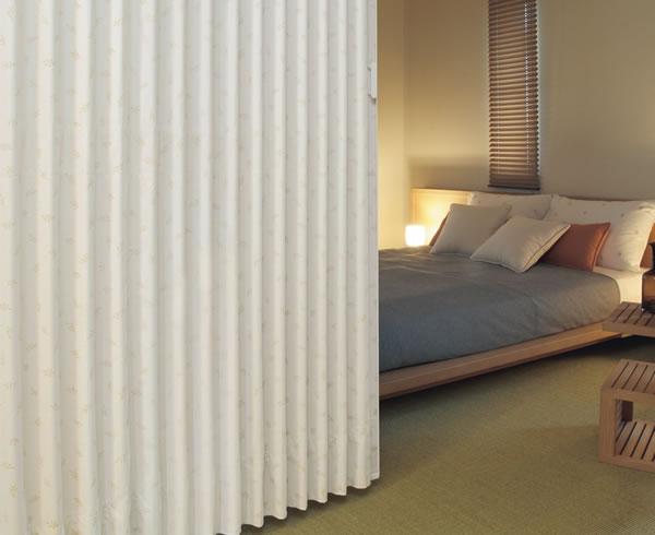 TOSO アコーディオンドア(アコーディオンカーテン) クローザーエクセル オリーブ 幅271~300cm×丈191~200cm