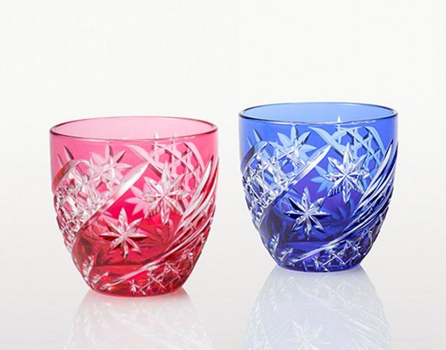 グラス好きな方へのプレゼントに カガミクリスタル 日本製 高品質 江戸切子 星芒 ペア冷酒杯約140ml TPS735-2969-AB 冷酒杯 マイグラス 赤 爆買いセール ご贈答 ギフト 青 お祝い プレゼント