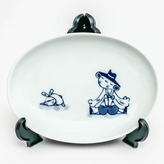 青花シリーズの中でも抜群のかわいらしさ 有田焼 低価格 青花子供食器 青花 マント異人 買取 小判皿 楕円小皿 小判銘々皿 S-32-351