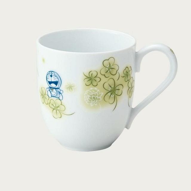 ドラえもん原作コミックスのイラストを使ったマグカップ ノリタケ Noritake ドラえもん 定価 お花シリーズ マグカップ クローバー 1735-6L コーヒー 電子レンジ使用可 DORAEMON マグ ご贈答 DT91086 定番スタイル 紅茶