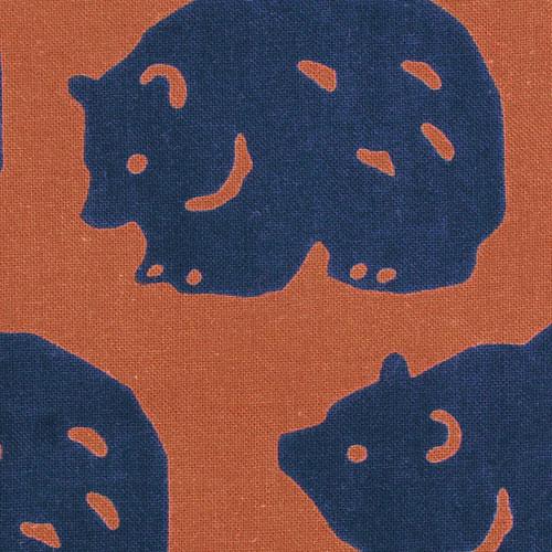 伝統的な注染染めで色鮮やかな日本手ぬぐい 【3枚以上で送料無料】かまわぬてぬぐい「ごろごろ熊」 かまわぬ 小紋柄 生地 日本てぬぐい 手ぬぐい 日本 飾り 布 生地 包む メール便