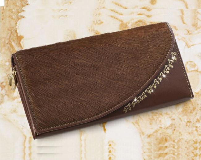 【すぐに使える10%OFFクーポン】馬(うま)九(く)行久(いく)金運財布【送料無料】本物の馬の毛があしらわれた高級感あふれる開運財布