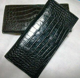 【すぐに使える10%OFFクーポン】紳士クロコダイル・長財布【送料無料・代引手数料無料】日本で最も多く使用されているワニ皮財布!インドネシアのラージクロコを使用、しかも最も質の高いマット仕上げに!