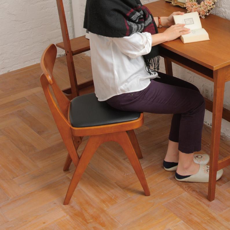 送料無料 チェア 木製 ダイニングチェア 椅子 オマージュ hommage Chair 天然木 自然 カントリー レトロ デザイン 完成品 インテリア 引き出物 いす 家具 カフェ アトリエ プレゼント 合皮 イス デスクチェア 売店 おしゃれ かわいい