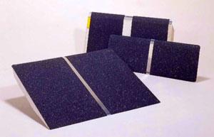 小型宅配便 PVT025 ポータブルスロープ アルミ1枚板タイプ【代引き不可商品】【イーストアイ】