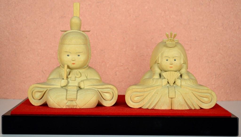 【送料無料】 井波彫刻 おひな様 親王雛 楠材(くす) 加茂 蕃山 (かも ばんざん)