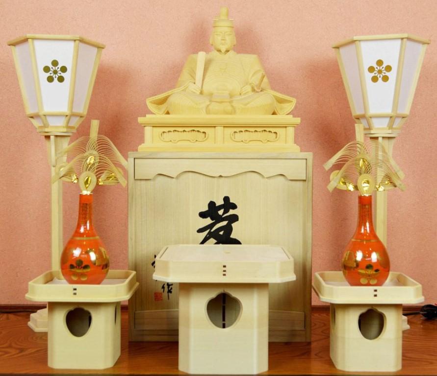 【天神様】井波彫刻『菅原道真公』一尺一寸・榧(かや)石井 米児(いしい よねじ)※お道具セット付き