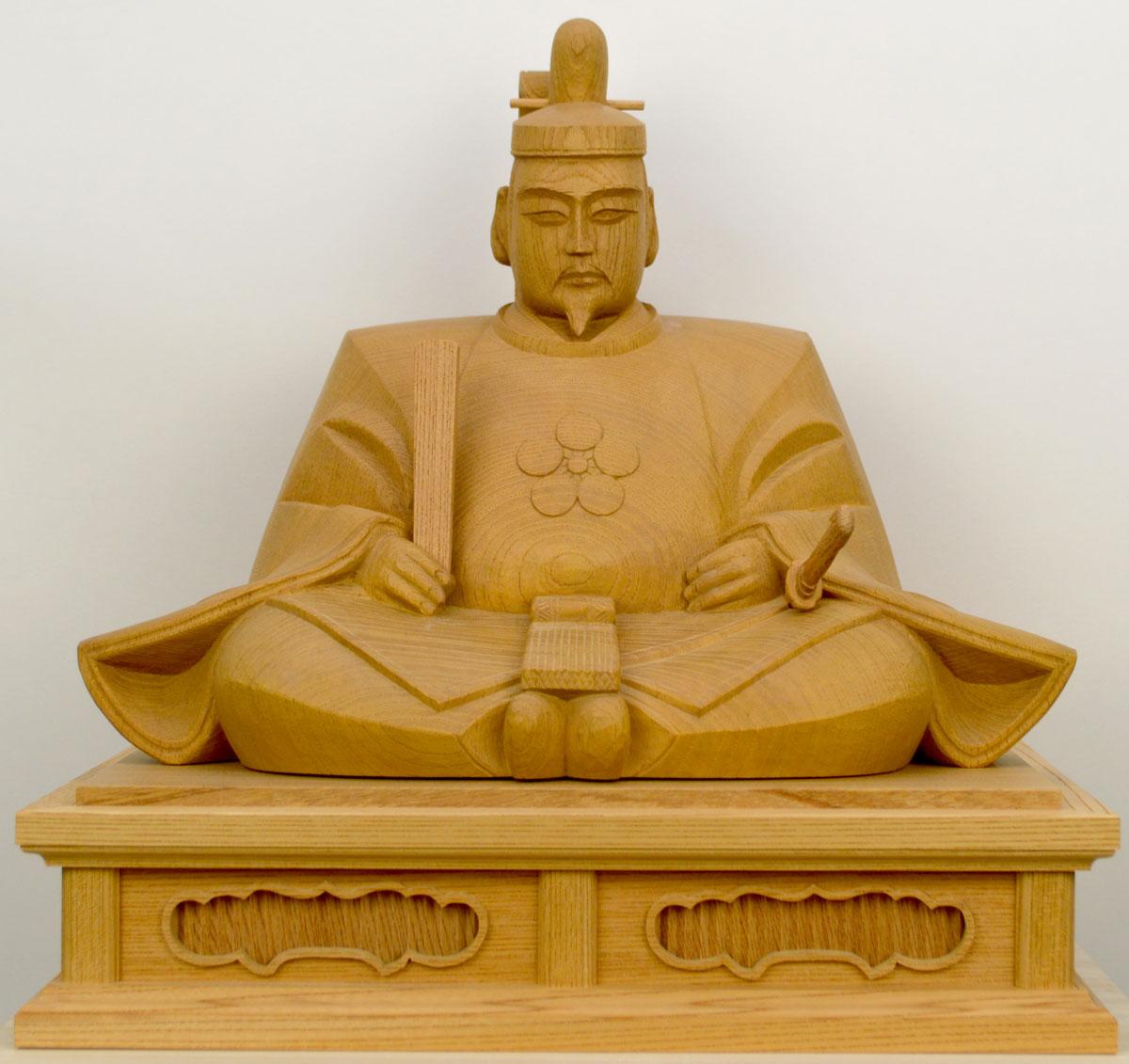 【天神様】井波彫刻『菅原道真公』一尺一寸 欅石井 米児(いしい よねじ)※お道具セット付き