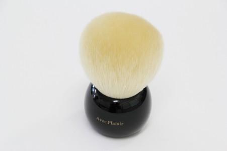 送料無料 熊野筆 喜筆 きのこパウダーブラシ 白 化粧ブラシ 化粧品 化粧筆 メイクブラシ メイク パウダー ブラシ ギフト