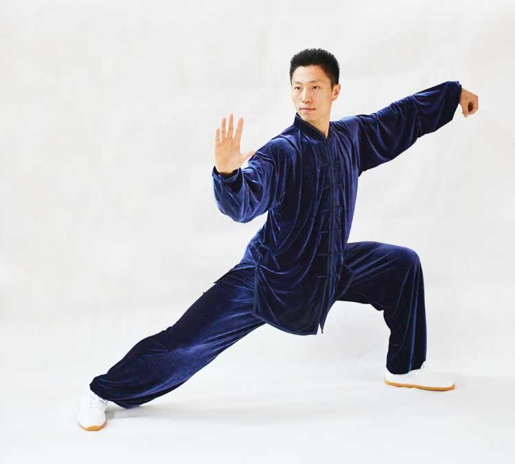 寒い冬に1着は欲しい!生地は厚めで暖かさ抜群!太極拳表演服・深藍色大業冬季太極拳服