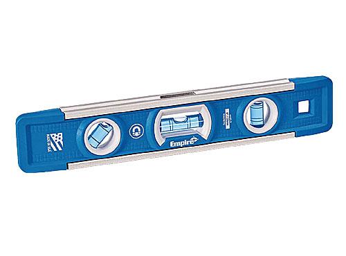 パイプや導管などに取付けられるよう エッジ部にV-型の溝がついています ☆EMPIRE エンパイア 信頼 EM81.9 メーカー再生品 TRUE 工具 マグネット付きレベル 輸入 水平器 BLUE 全長220mm