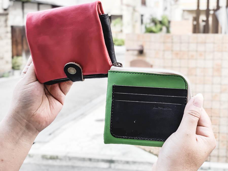 ▲H-PLUMP クールな黒とポップのバイカラー「ハーフプランプ 財布」ふっくら