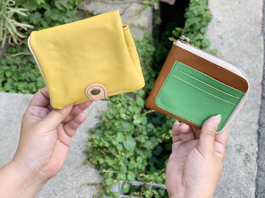 ▲H-PLUMP バナナMIXで甘い気分「ハーフプランプ 財布」取り出すスリム