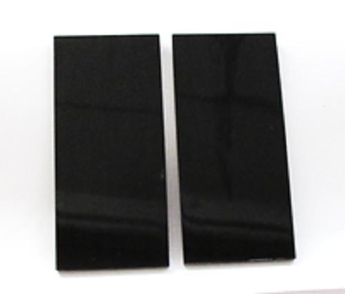 水牛工芸材料、角板材。両面鏡磨き・段差ナシ材。プロ用。NO.令和元年0524-2。光学プレート。厚み、2.5m/m・長さ、73×幅、33.5m/m・黒(天然色)。2枚で11600円。日本製。メール便。