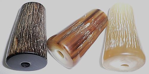 期間限定送料無料 水牛ボタン 皮付き紐止メ 長さ 40m マート m 紐穴の径 5m 特殊芯抜き技法 皮付き メール便 芯持ち 3個で7900円 日本製