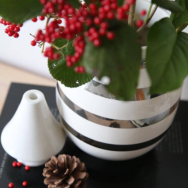 ブランド一覧>Kahler>Omaggio Silver Vase