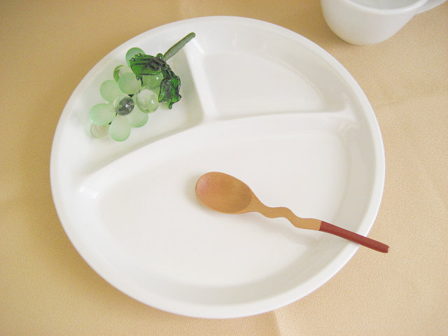 3つ仕切り ラウンド ランチプレート 27cm[ 軽い 3仕切り 白い 仕切り皿 丸い 丸型 陶器 カフェ食器 新生活 ]